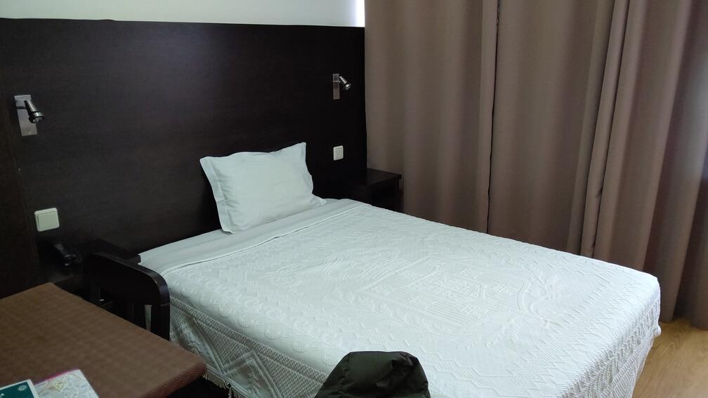 コインブラ モデルナ ホテル